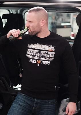 Sweatshirt On Tour